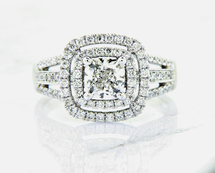 Ladies 18K Cushion Cut Diamond Engagement Rings
