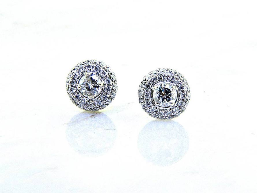 Las 18k Round Pave Diamond Stud Earrings