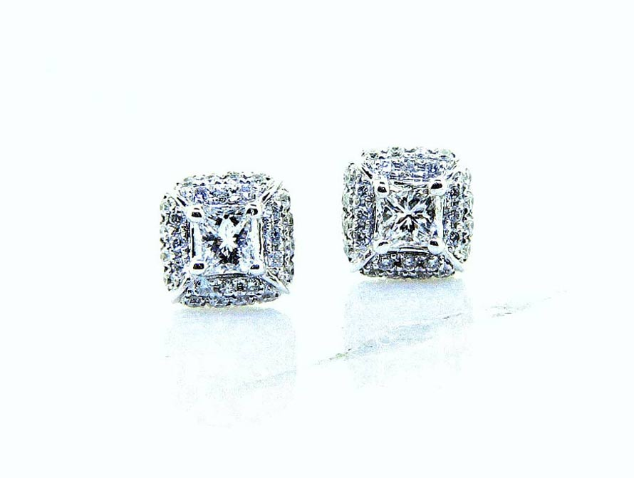 Ladies 18K Round Pave Diamond Stud Earrings
