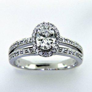 Ladies 18k Oval Diamond Engagement Ring