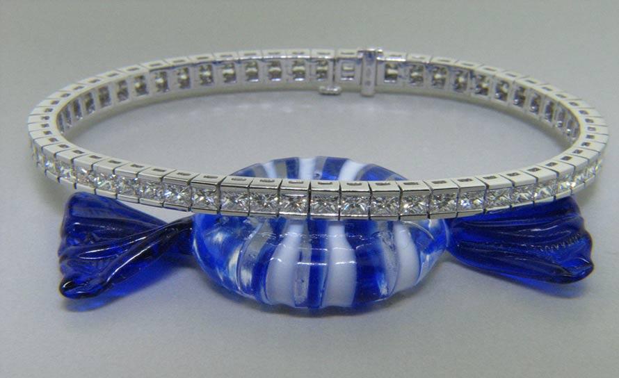 Ladies 18k Princess cut Diamond Eternity Bracelet