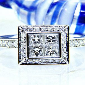 Ladies 18K Radiance Collection Diamond Ring