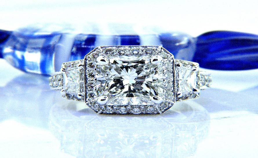 Ladies Nouveau Estates Platinum Radiant Diamond Engagement Ring