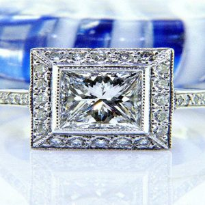 Ladies Platinum Princess Cut Diamond Engagement Ring