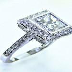 Ladies Platinum Princess Cut Diamond Engagement Ring