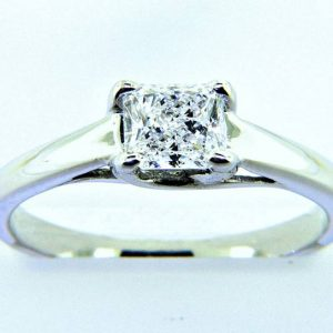 Ladies Platinum Radiant Cut Diamond Engagement Ring