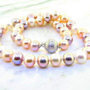 Mutli-Color Pastel Pearl Necklace