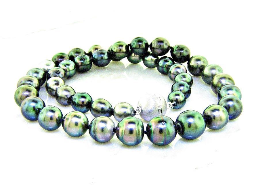 Natural Black Tahitian Pearl Necklace