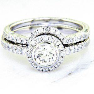 Ladies 18k Nouveau Estates Diamond Engagement Ring 1.08ctw.